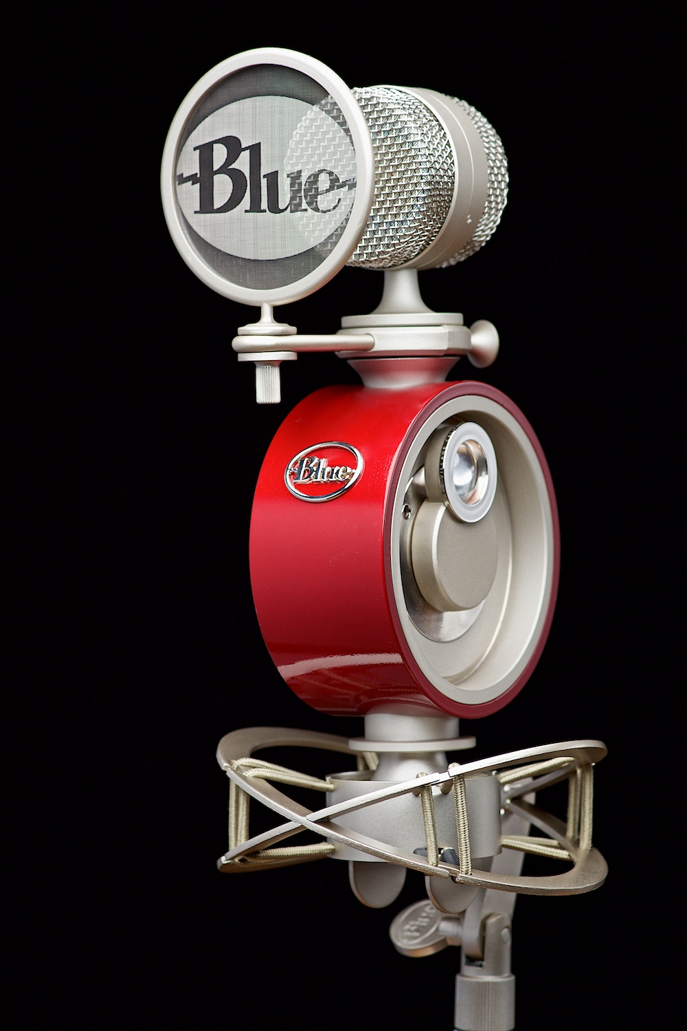 Blue Microphone on black by Bret Doss Commercial Product Photography Seattle